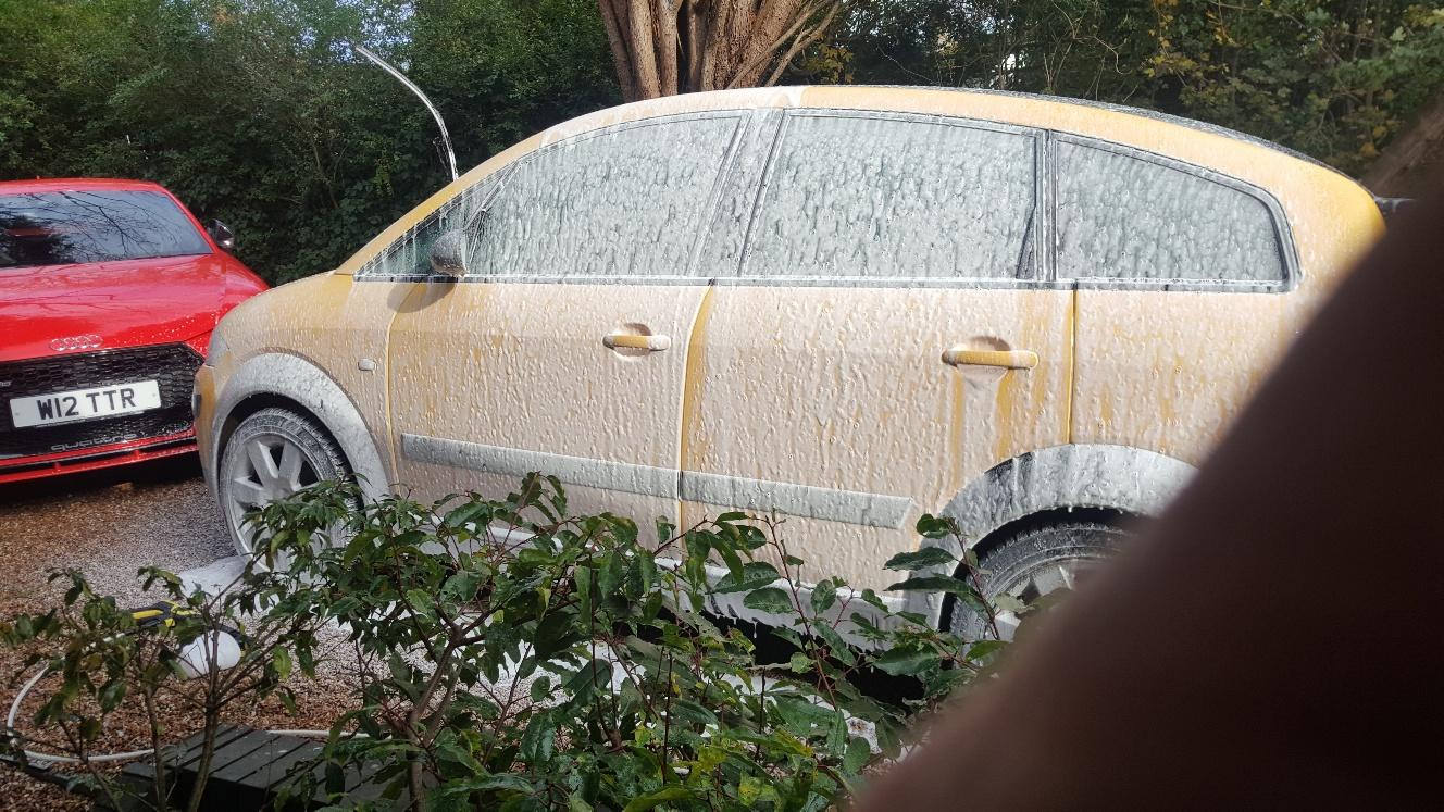 car snow UK.jpg